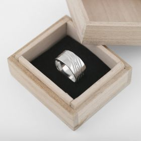 Silver RING. Scream. Large 58
