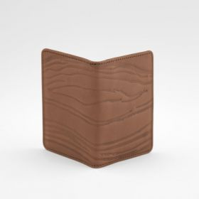 LEATHER card wallet. Scream